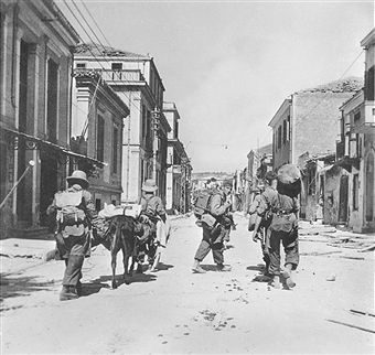 German paratroopers in Chania, Crete. Pin by Paolo Marzioli