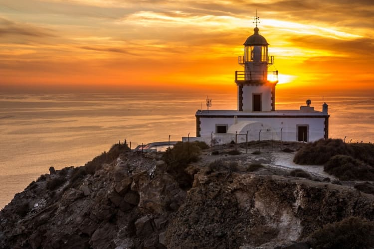Akrotiri Santorini, Lighthouse at sunset