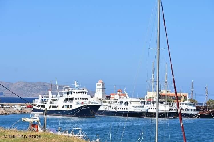 The fleet that reaches Balos daily.